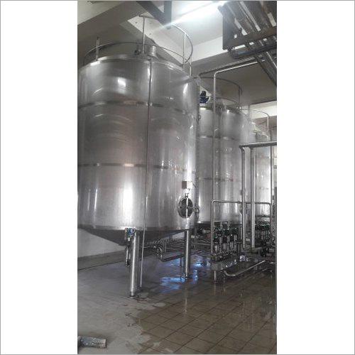 Small Vertical Milk Storage Tanks
