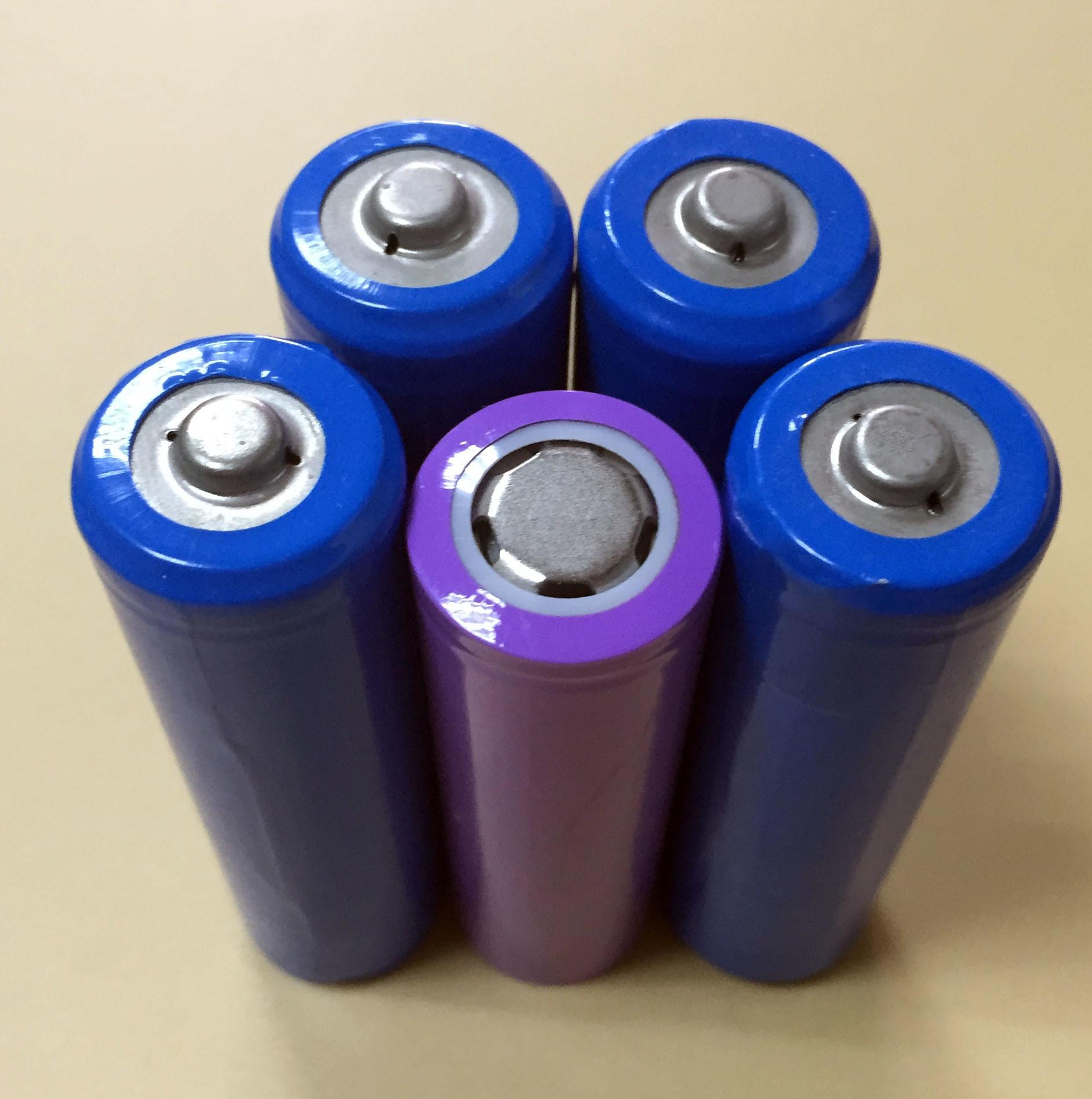 18650 3.7V 2600mAh 2200mAh Lithium Ion Battery