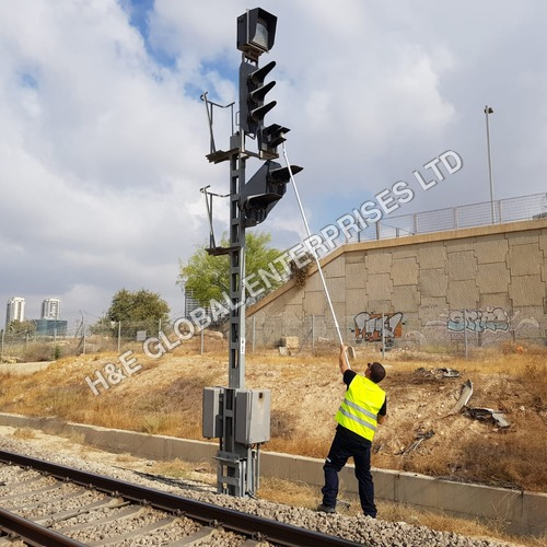 Railway Signal Cleaner