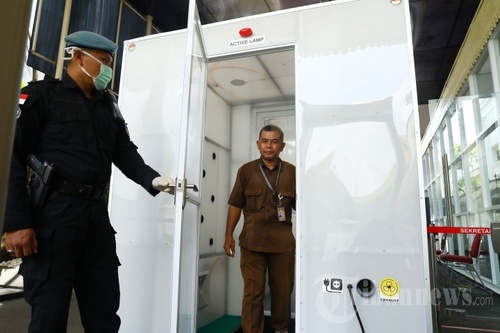 Safety Sanitizing Cabin