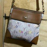 women hand side bags