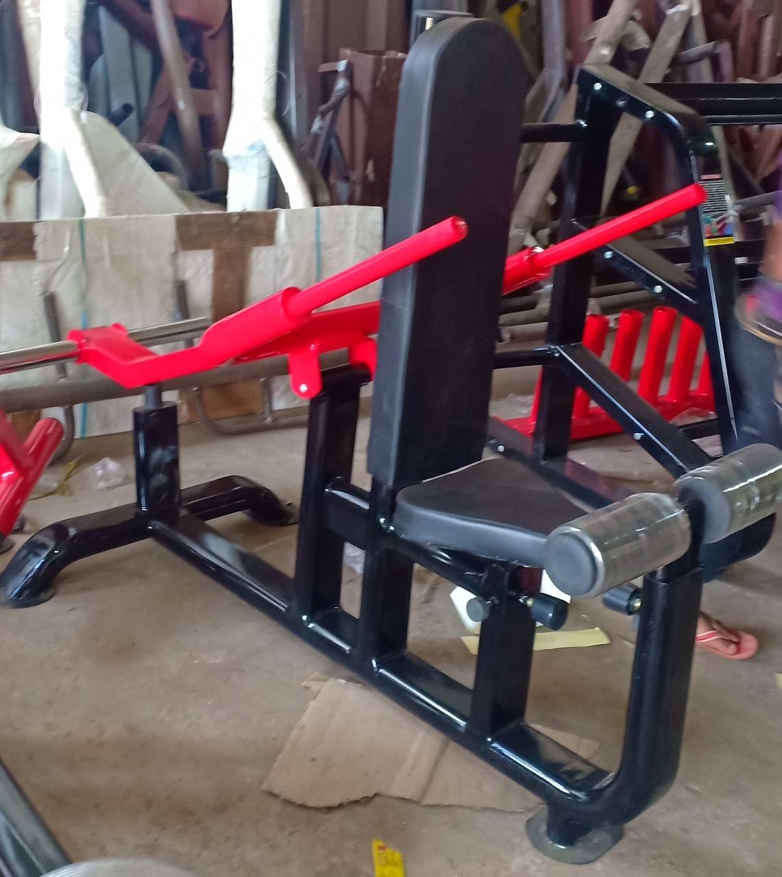 Triceps Hammer Machine