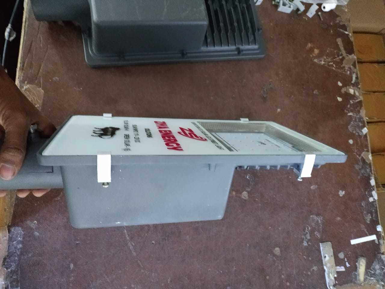 20 Watts Semi Integrated Solar Street Light - LiPo4