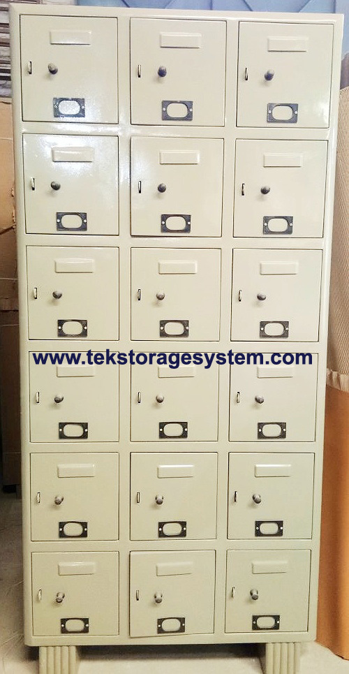 Industrial Worker Locker 18 Door