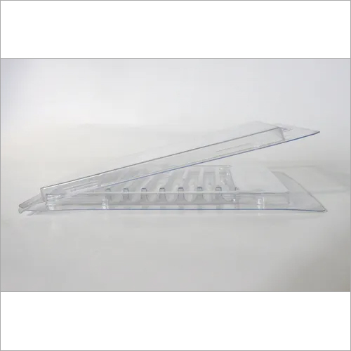 Surgical screw clamshell blister