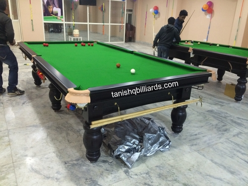 9ft by 4.5ft Pool Table