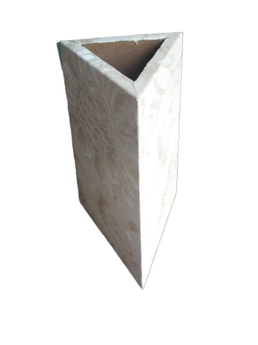 TRIANGULAR FLOWER POT