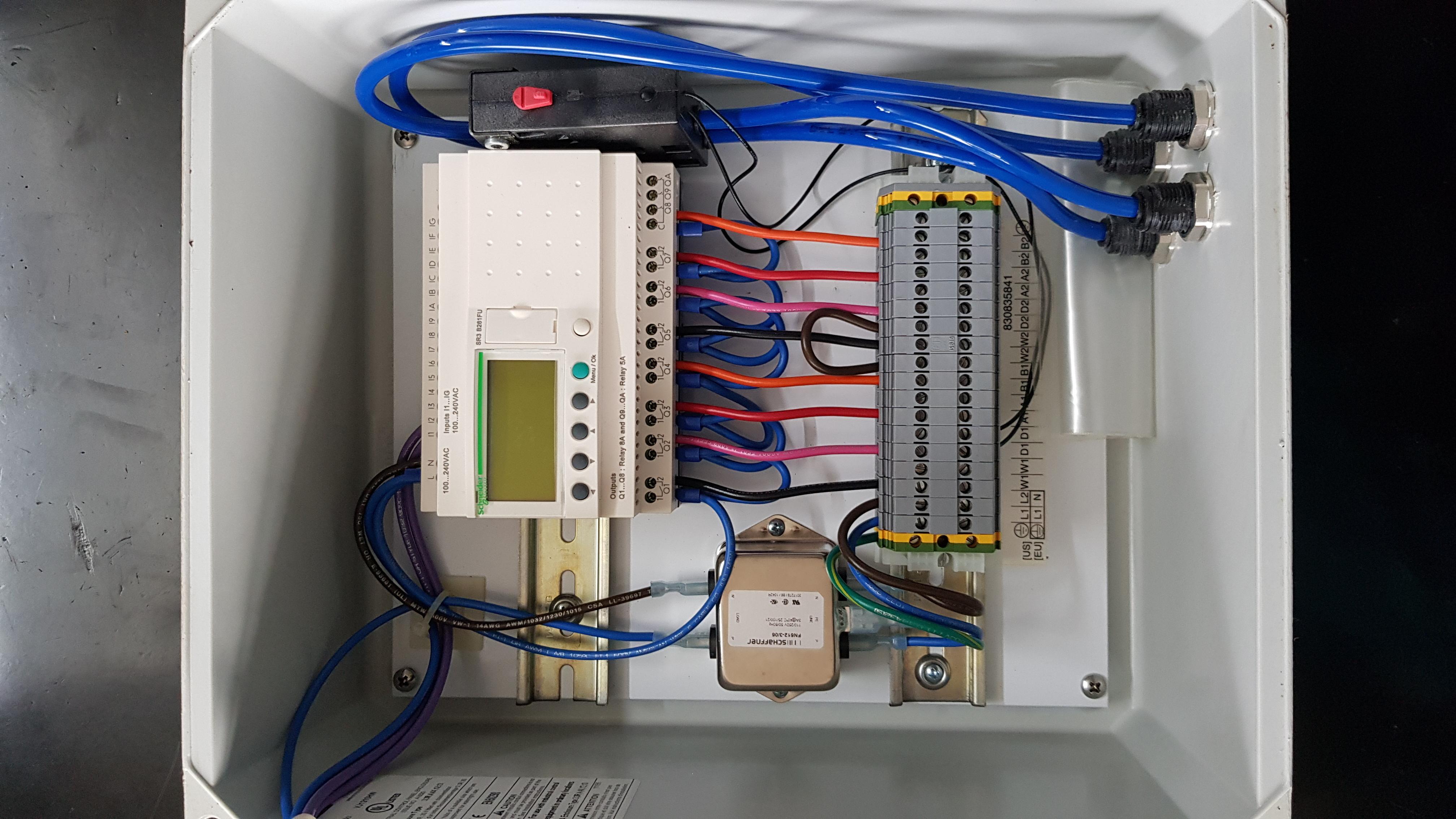 Schneider plc SR3 B261FU