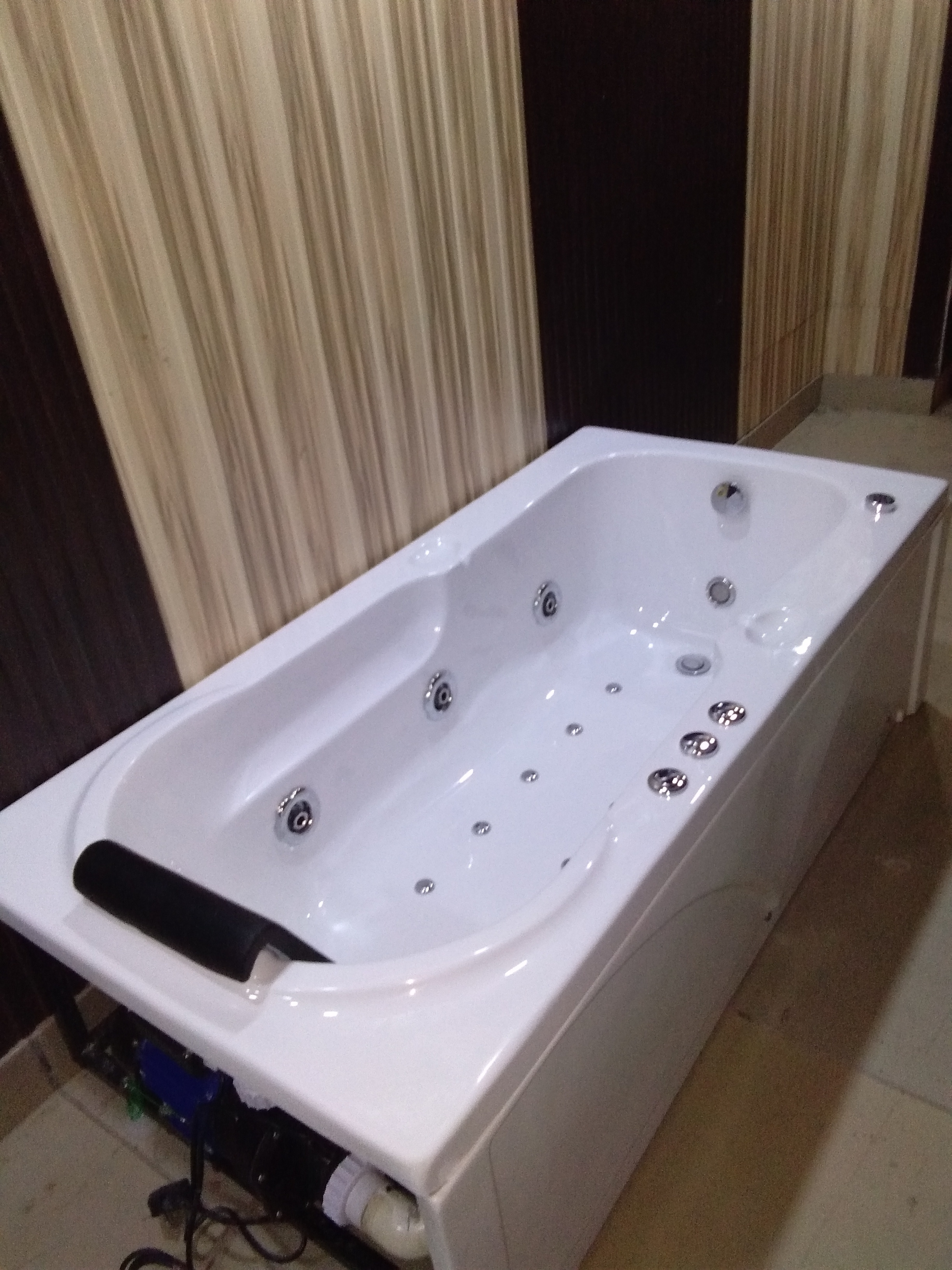 VBL-004 Jacuzzi Bathtubs