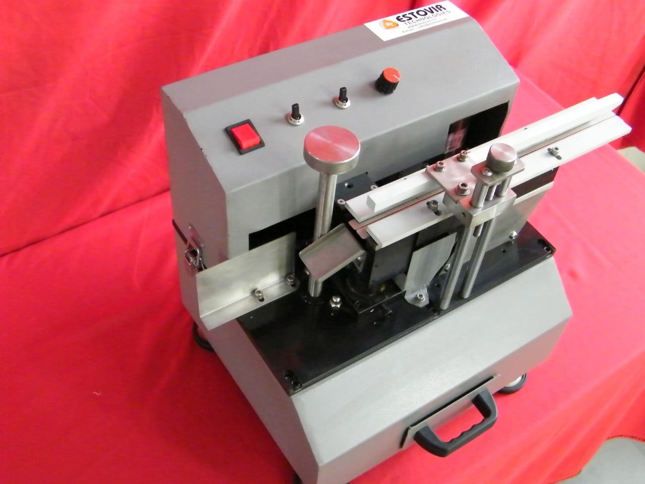 Automatic Loose Radial Lead Cutting M/C