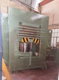 Sheet moulding hyd press