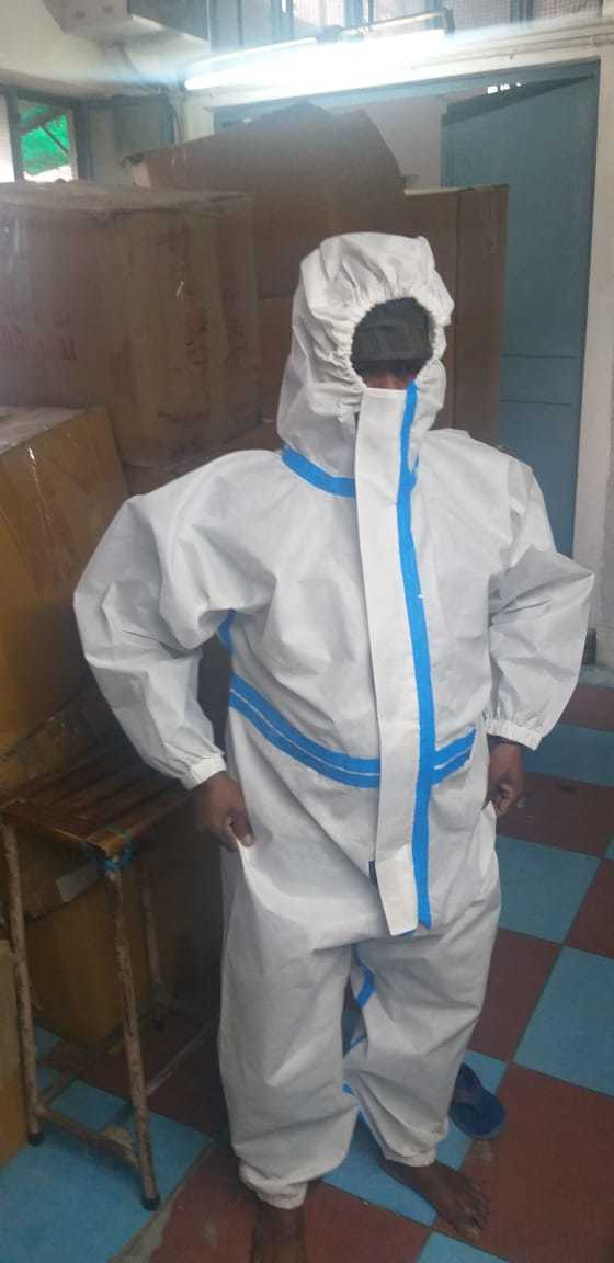 PERSONAL PROTECTION EQUIPMENT SUIT