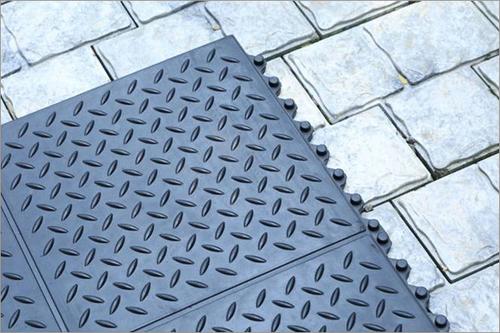 Gym Mat Checker Top