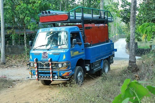 Mini truck mounted drilling rig