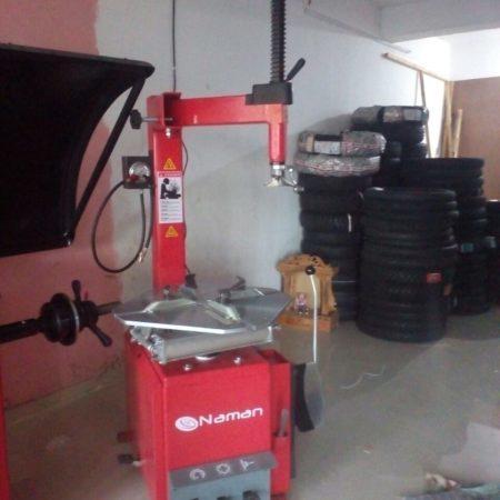 Tyre Changer Machine