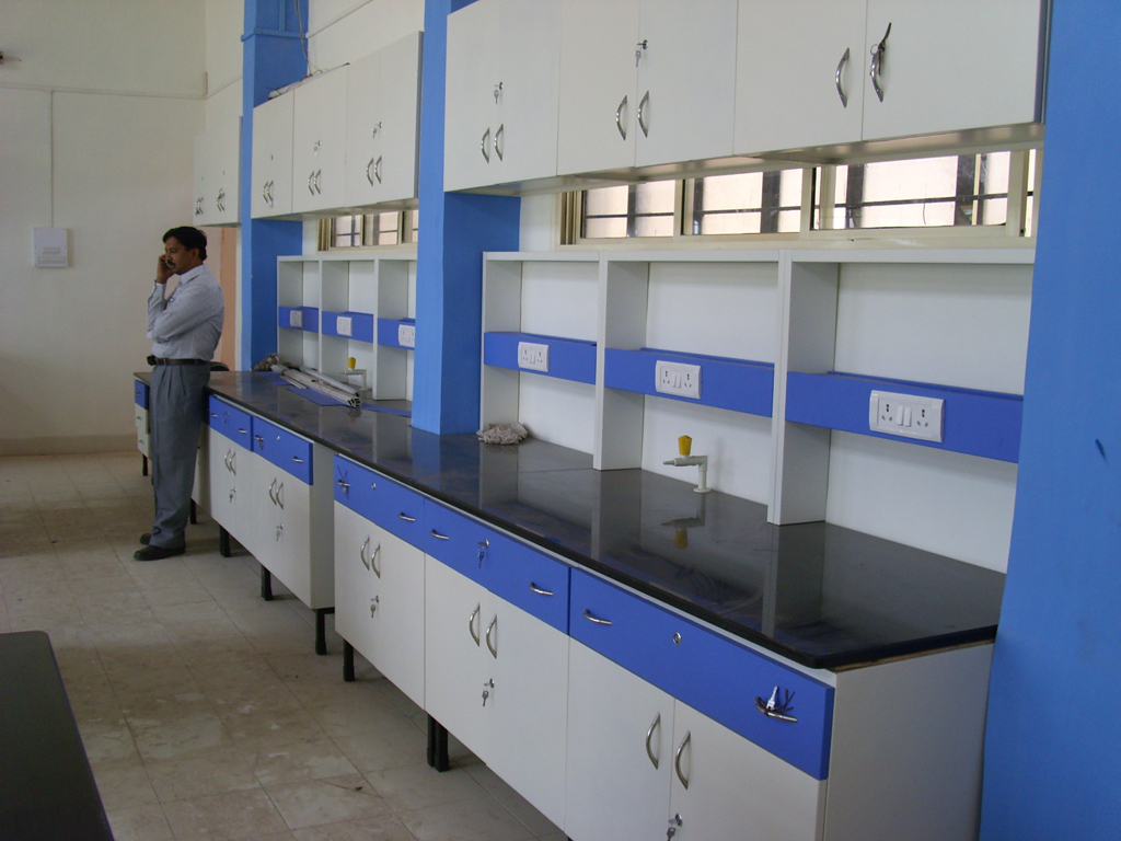 Chemistry Laboratory Table