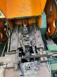 #836-6 Gwo Ling M6x64 semi tubular heading machine