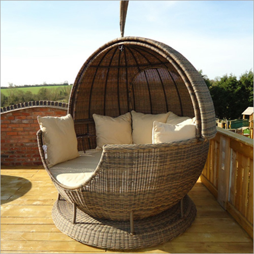 Wicker Oval Shape Sun Bed