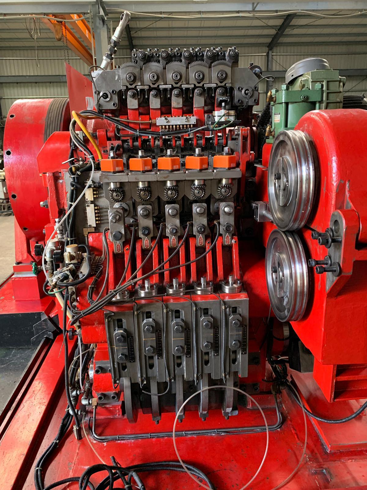 #836-9 Chun Zu CPF-105S bolt parts former