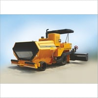 Wet Mix Macadam Paver Finisher