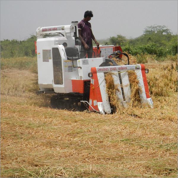 72 Hp Full Straw Mini Combine Harvester