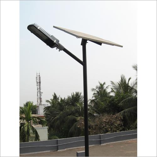 18 w Solar Powered LED Street Light