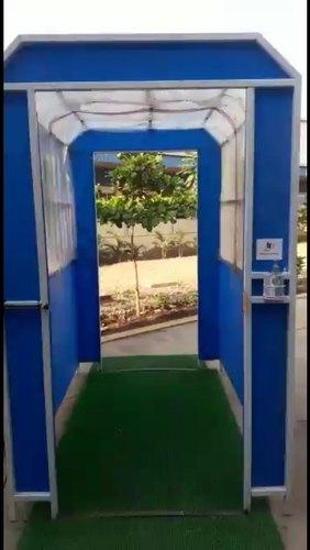 Tunnel spray sanitation