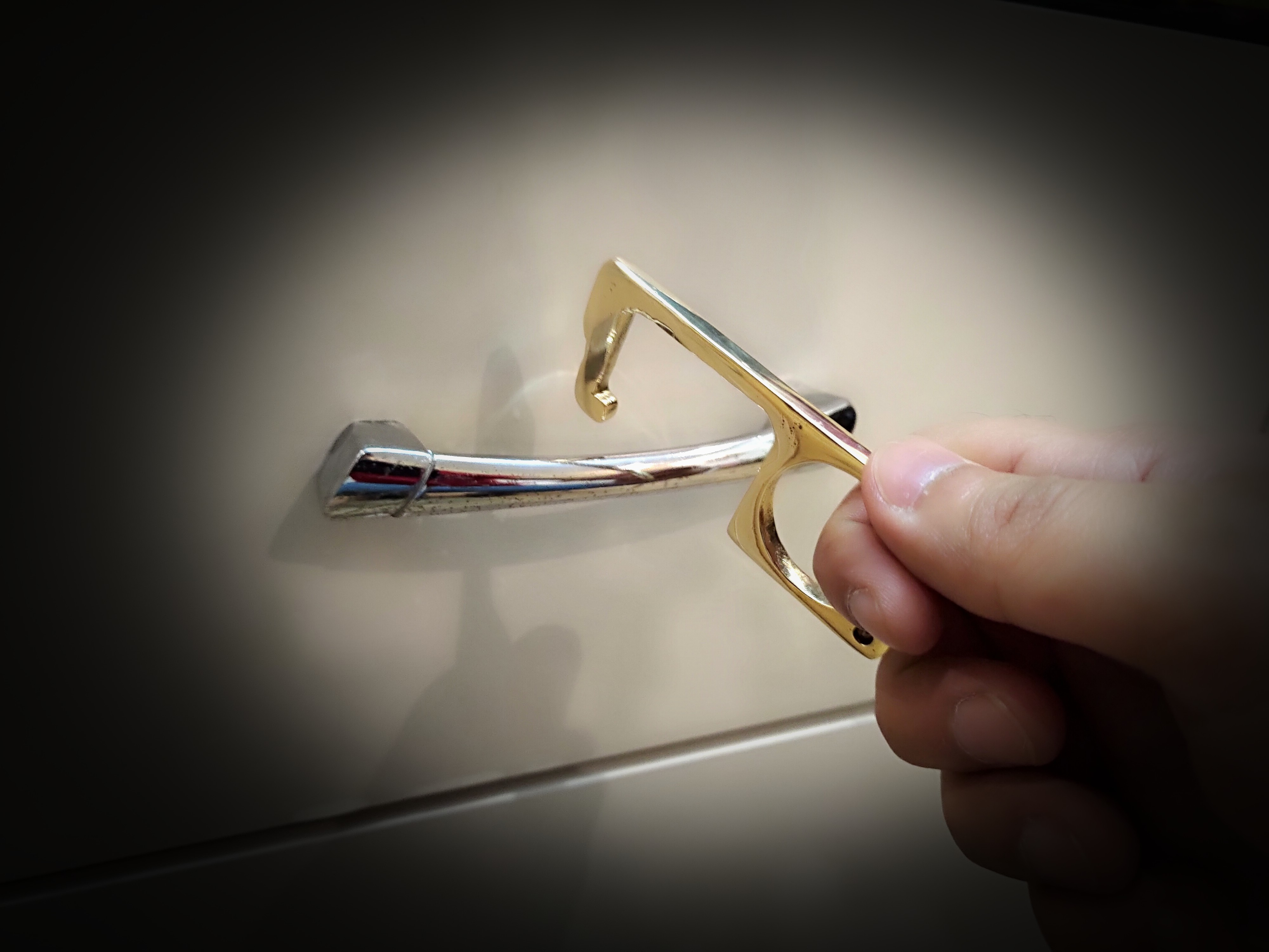 Crab Style Pockee -Zero Touch Reusable Contactless Key Hands Safety To Open Door Bottle Opener Brass Keychain