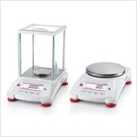 OHAUS Internal Pioneer Analytical Balance