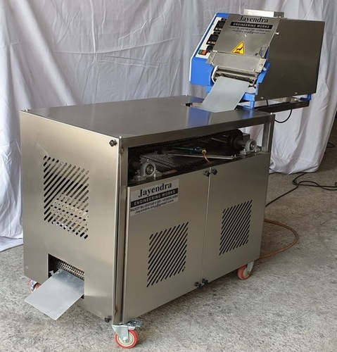 Conveyor Type Automatic Roti Chapati Making Machine