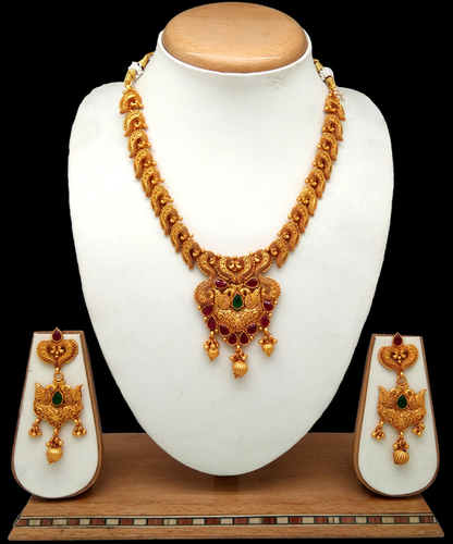stylish New Design traditional pendant set