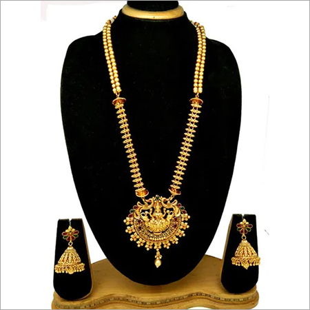 Artificial Design Pendant Set