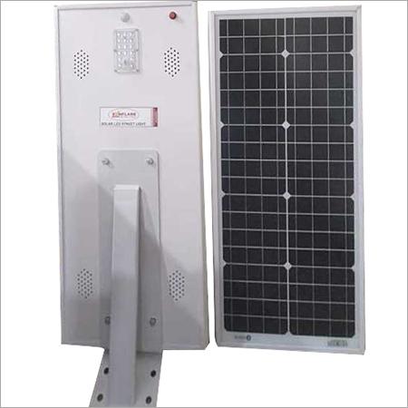 AOI solar street light