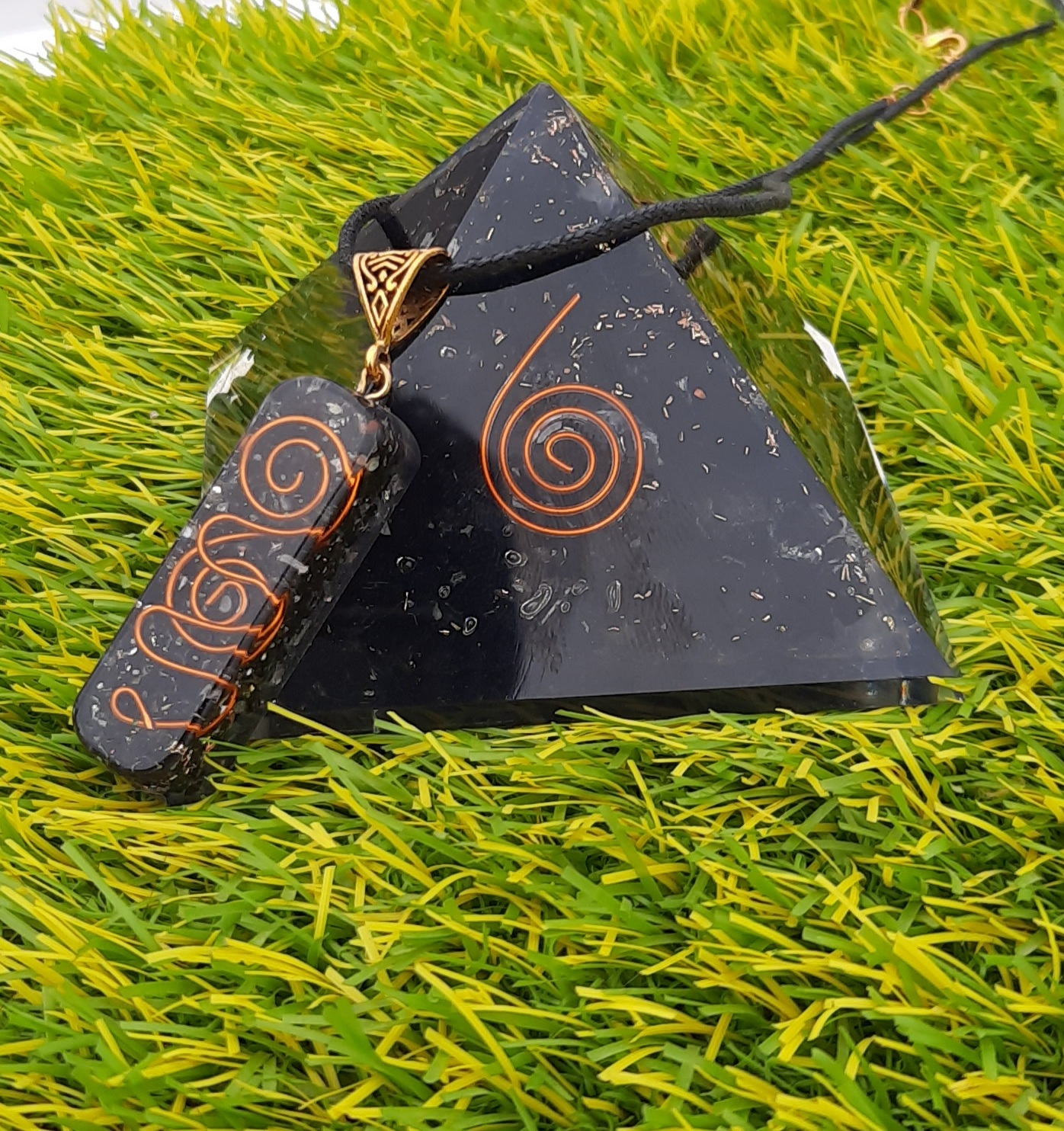 Orogne Black Tourmaline Healing EMF Stone Pyramid With Pendant