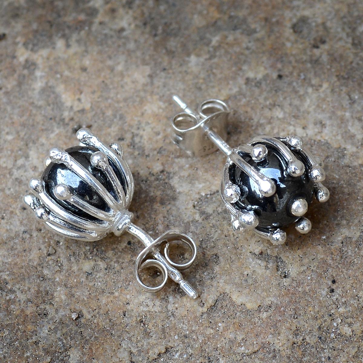 Hematite Stone Silver Ear Stud Earring PG-156263