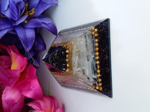 Orgone Black Tourmaline With Selenite And small Metalic Ball WIth Copper Dust Pyramid Energytik Pyramid