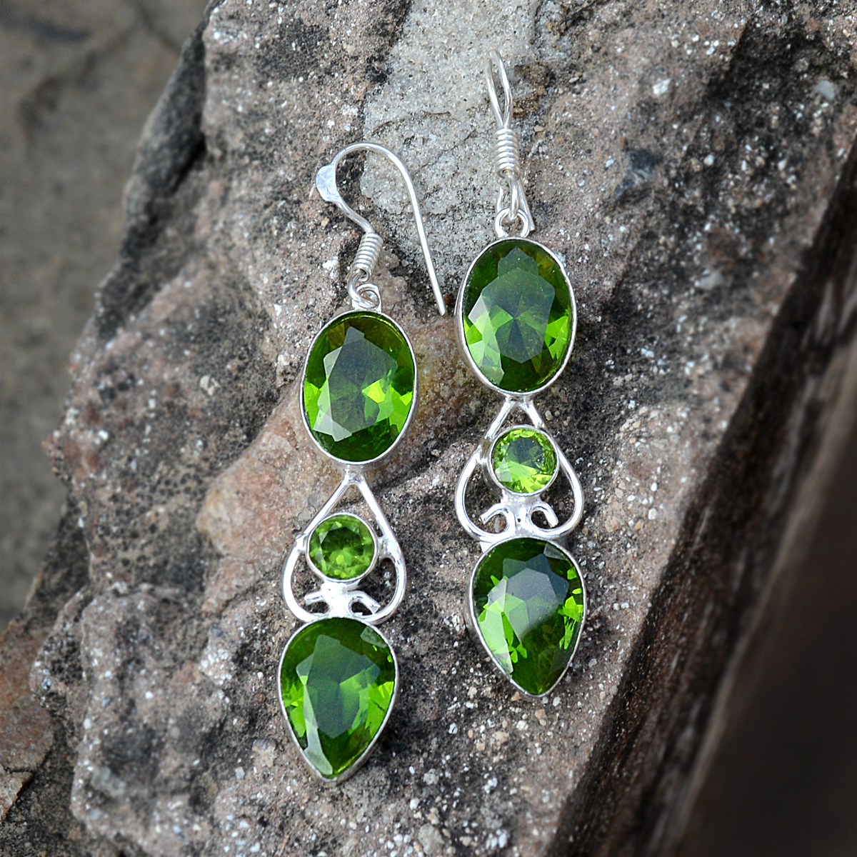 Green Quartz Silver Earring PG-156624