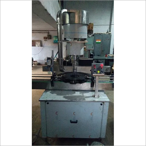 Automatic Screw Capping Machine with Plugging