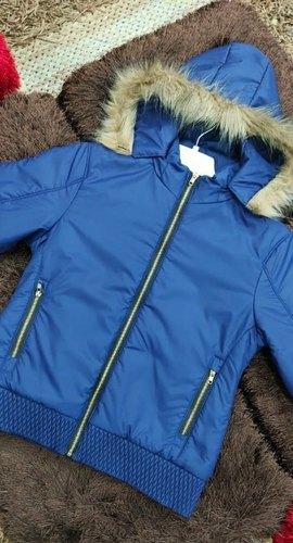 Girls short jacket (detachable cap)