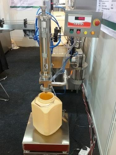 Single Head Load Cellbased Filling Machine