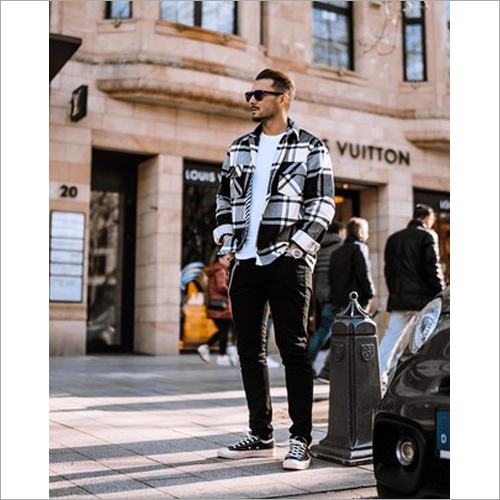 Men Fashionable Check Shirt
