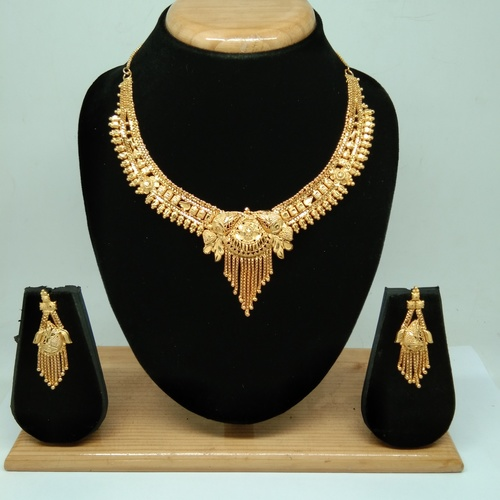 Latest Design Golden color Forming Neckalce Set for women