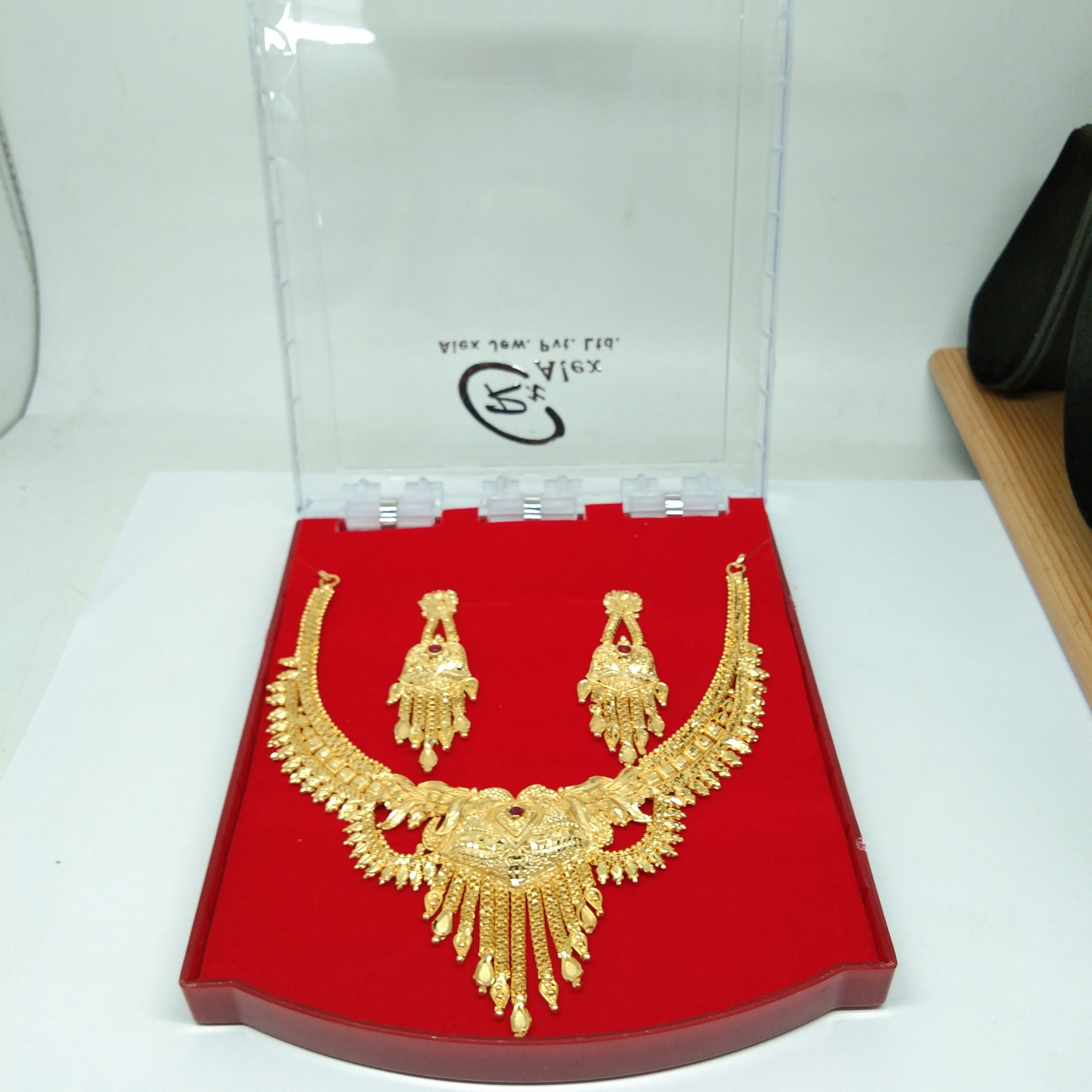 Simple Attractive Indian style Necklace