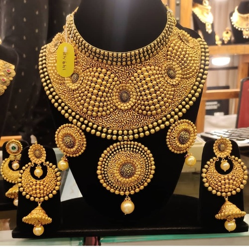 Gold Neckla Set