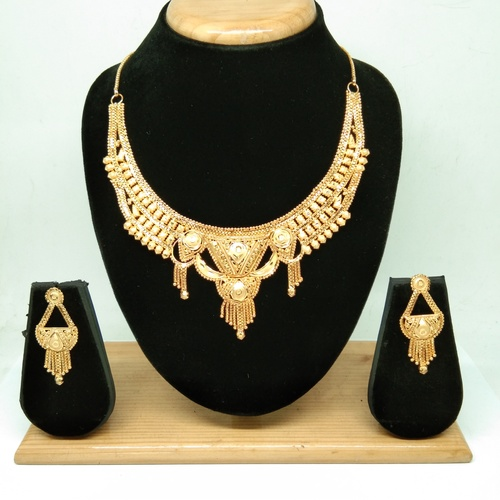 Indian Style Gold Forming Necklace Set