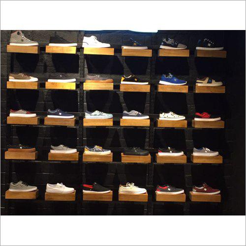 Svarn Casual Shoe Display Fixture