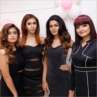 Ladies Beauty Hair Style Service