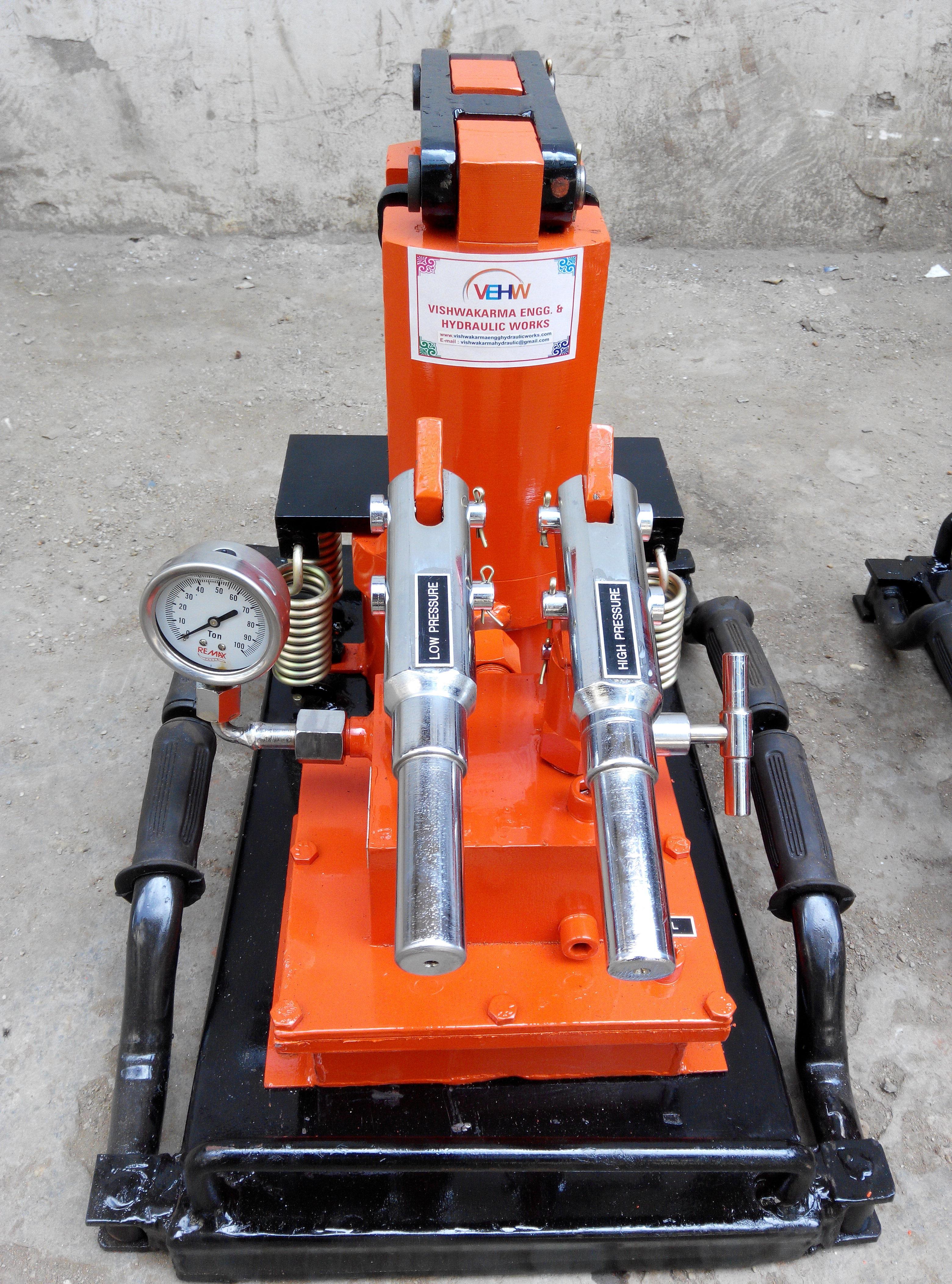 Hydraulic Compressor Machine