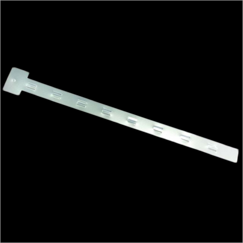 67.6x3.9 CM Plastic Hanging Clip and Strip