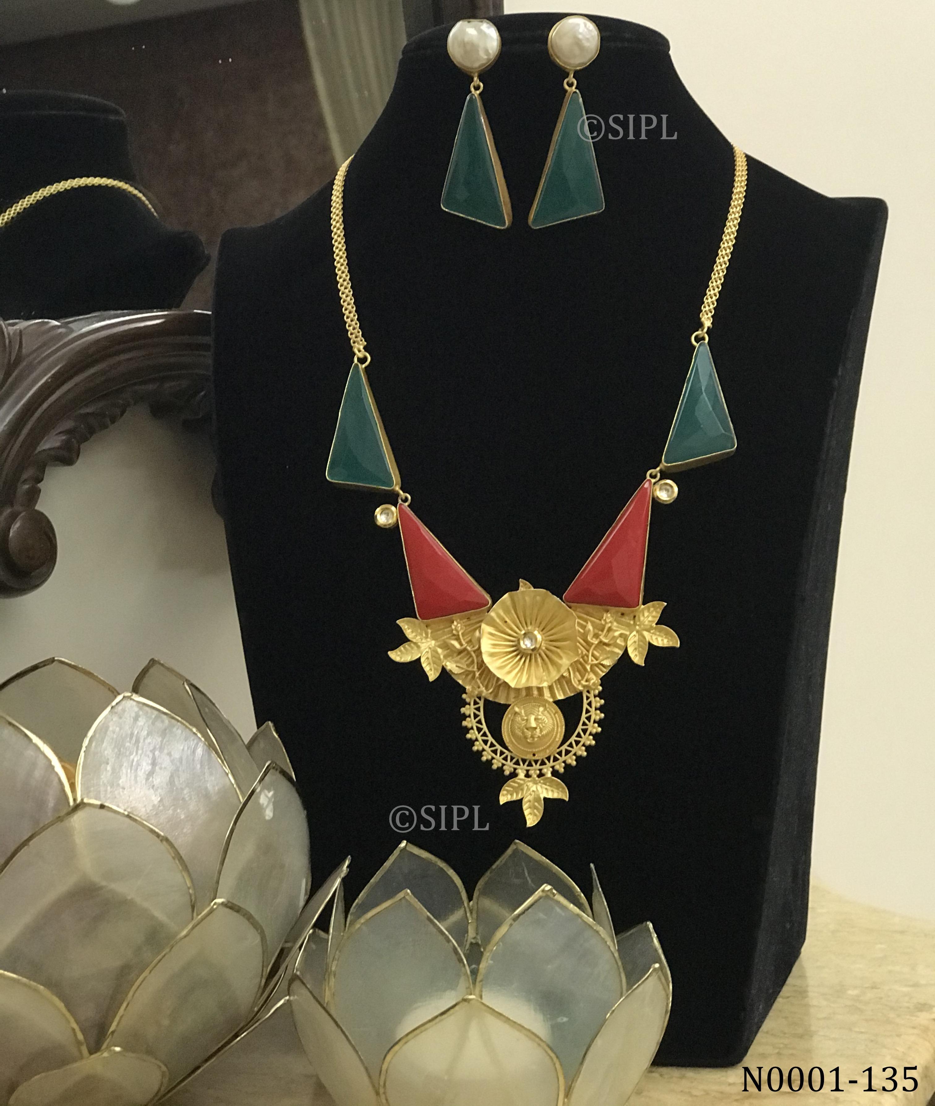 Contemporary Handmade Monalisa Necklace